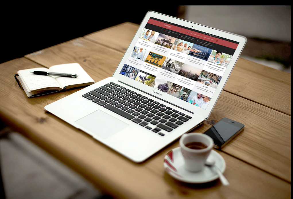 Strelok - Wordpress Theme - Laptop